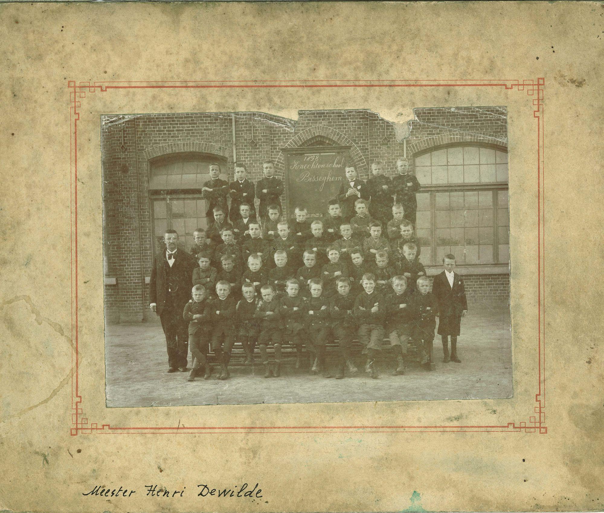 Klasfoto jongensschool Bissegem 1898