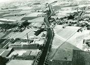 Zicht op het oude kanaal Bossuit-Kortrijk in Moen 1976