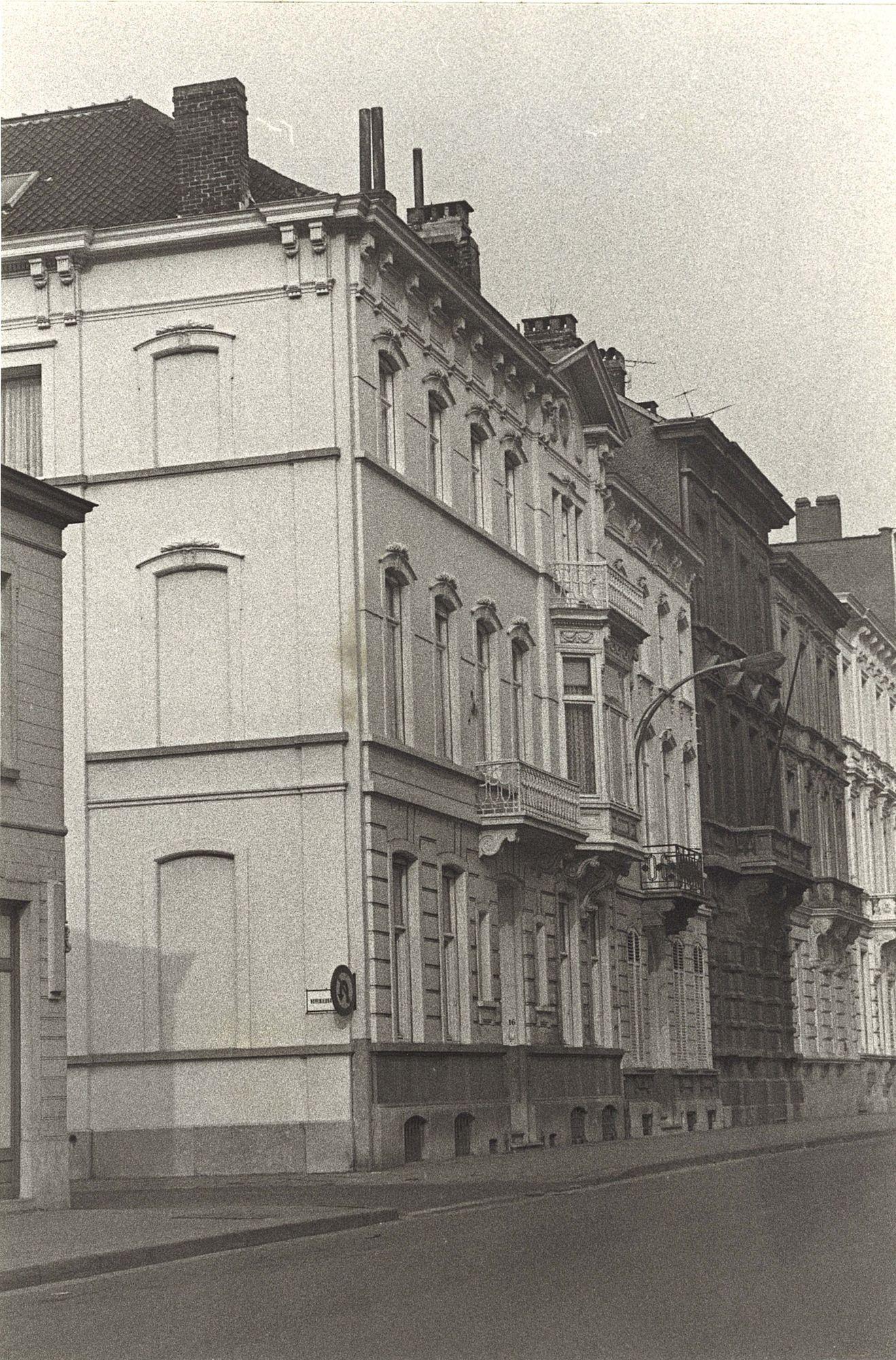 Doorniksewijk 16