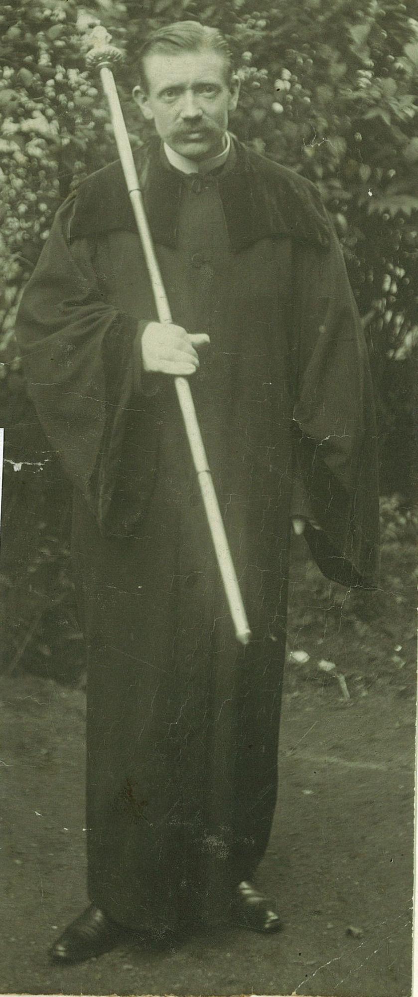 Victor Van Ooteghem, kerkbaljuw in de Sint-Rochuskerk