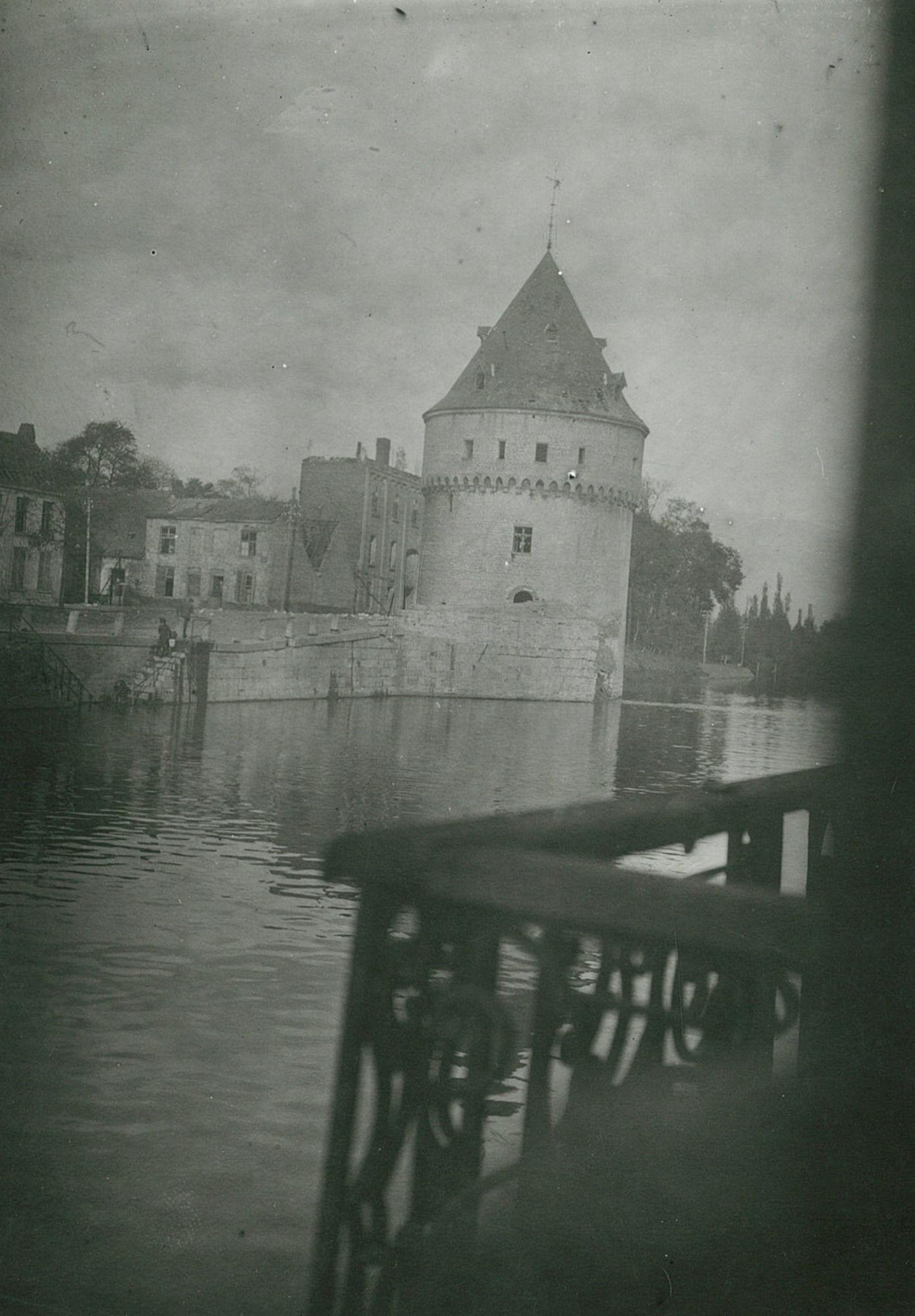 De Leie met de Broeltorens oktober 1918