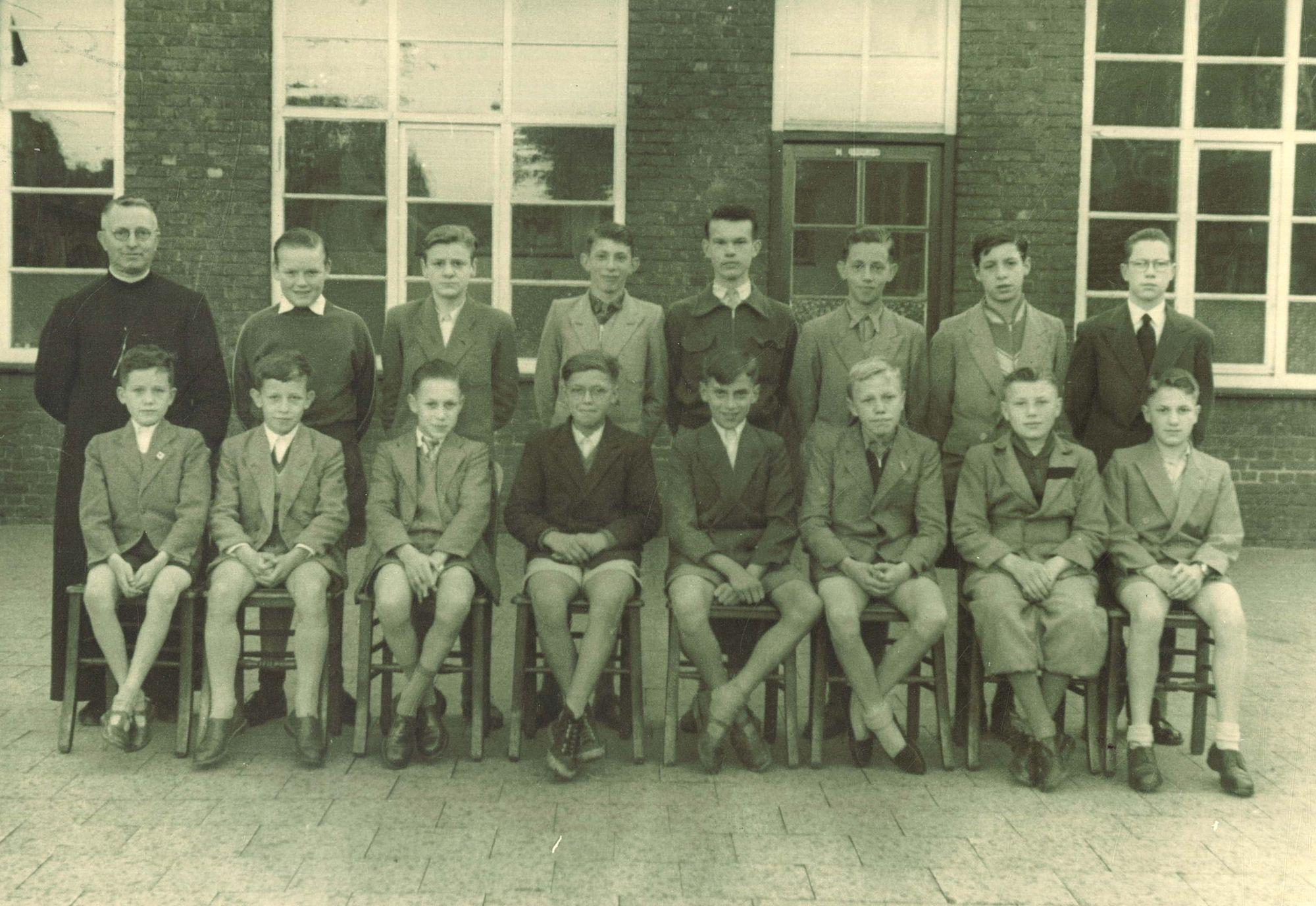 Klasfoto 4e graad Broederschool Overleie 1955