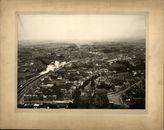 Panoramische foto van de buurt van de Sint-Janskerk, ca. 1950