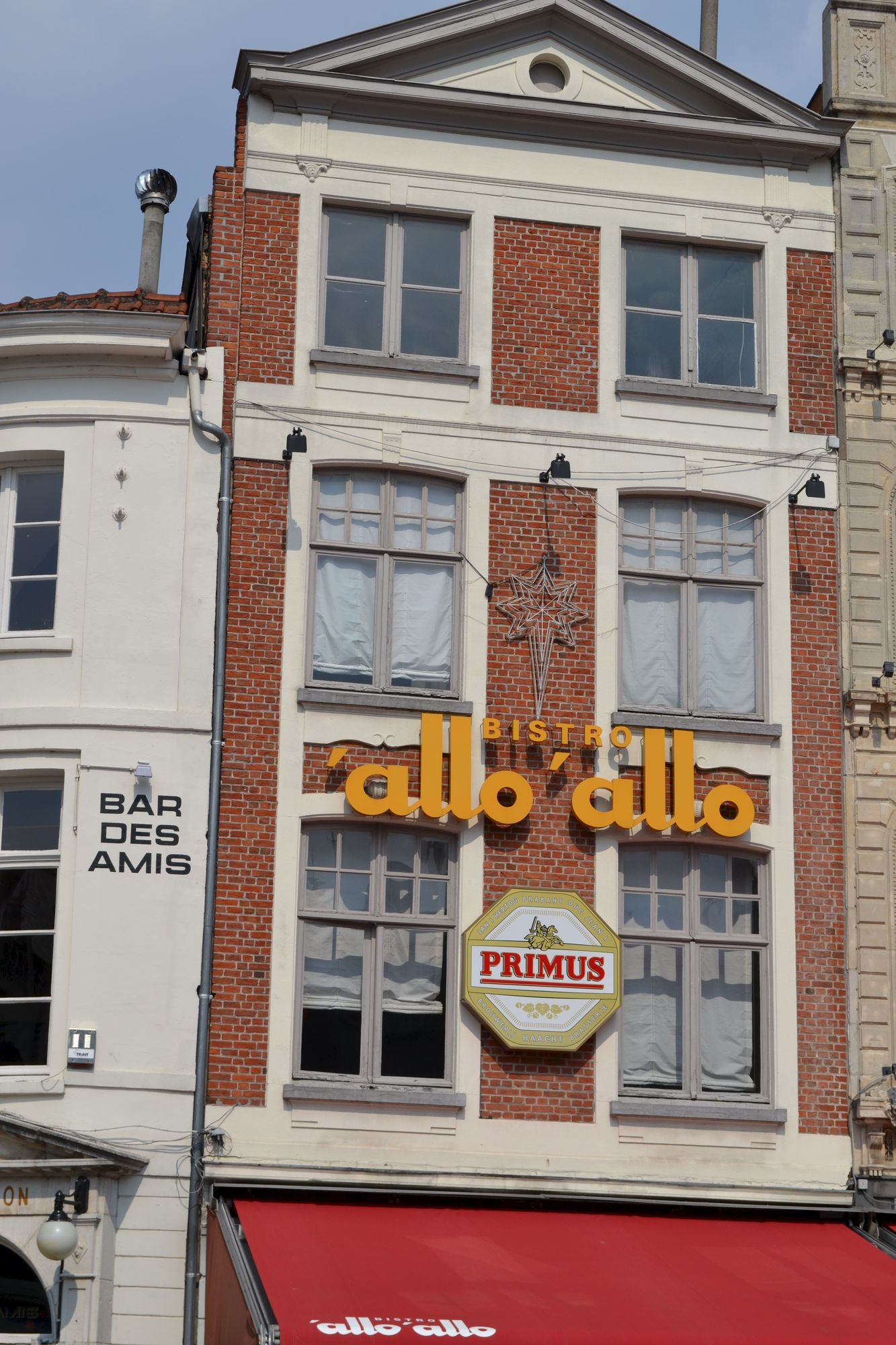 Café 't Zweerd, ook restaurant Poeskaffee en anno 2013 nog steeds Bistro 'Allo 'Allo