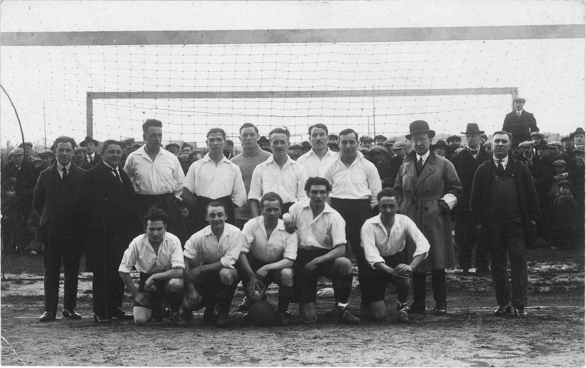 Foto van de ploeg van Kortrijk Sport