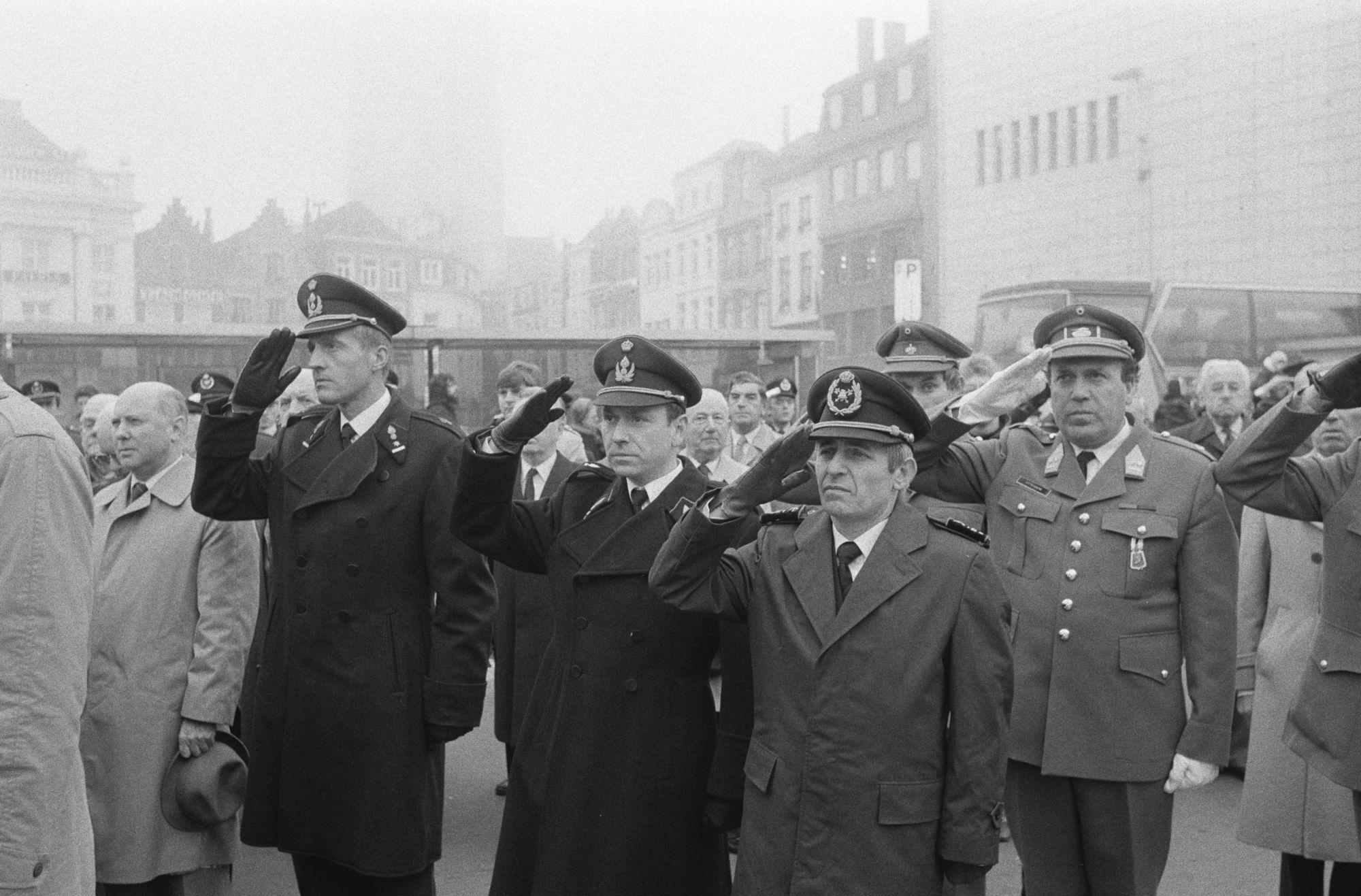 Herdenkingsplechtigheid aan het oorlogsgedenkteken