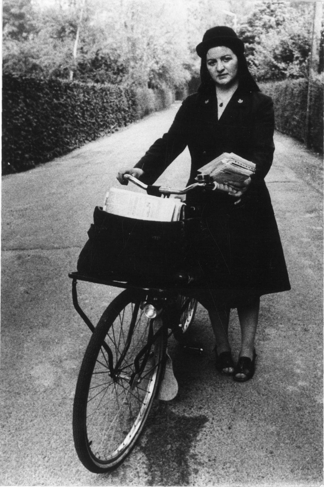 Eerste vrouwelijke postbode van België