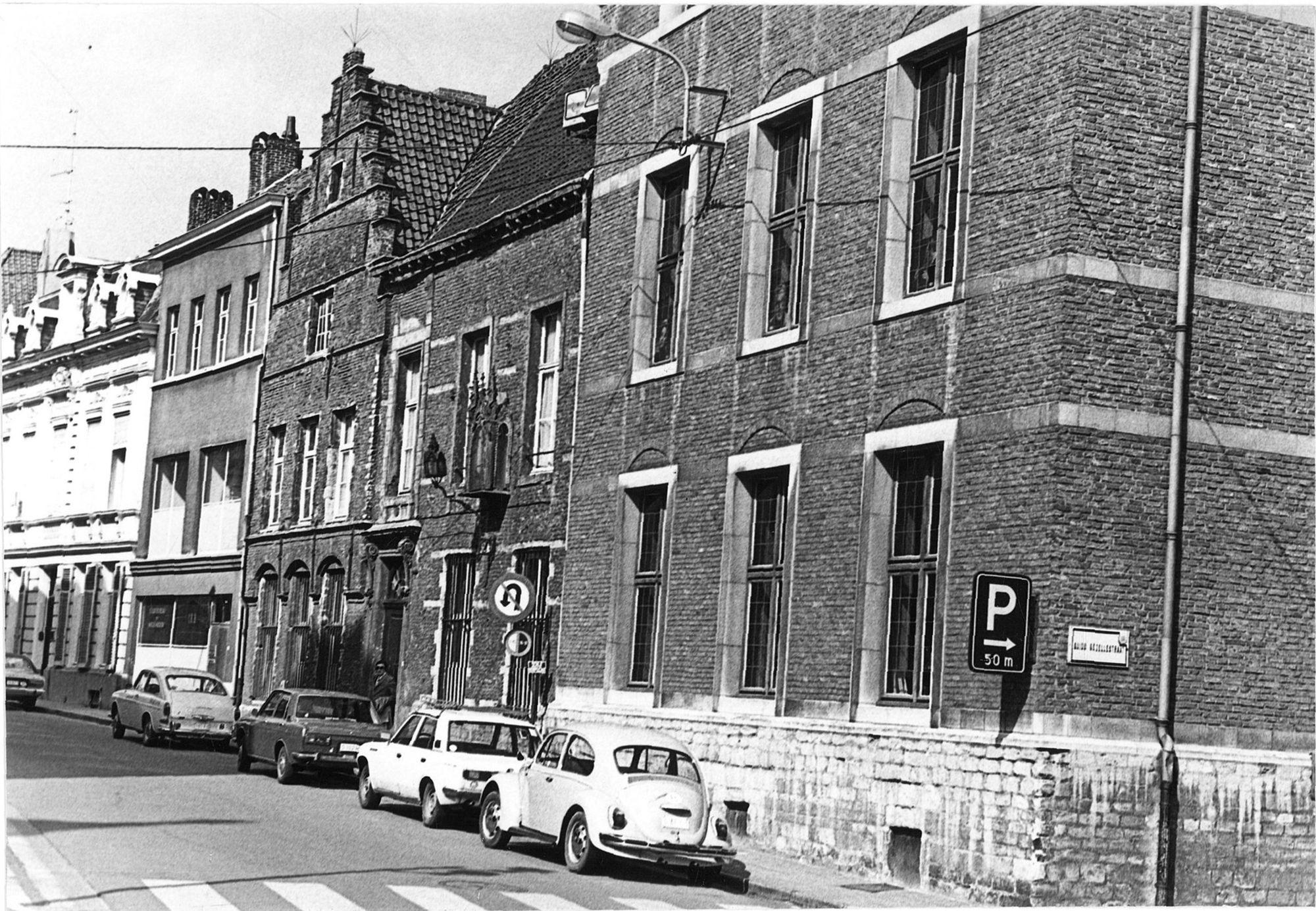 Berg van Barmhartigheid in de Onze-Lieve-Vrouwestraat, Stadsbibliotheek 1975