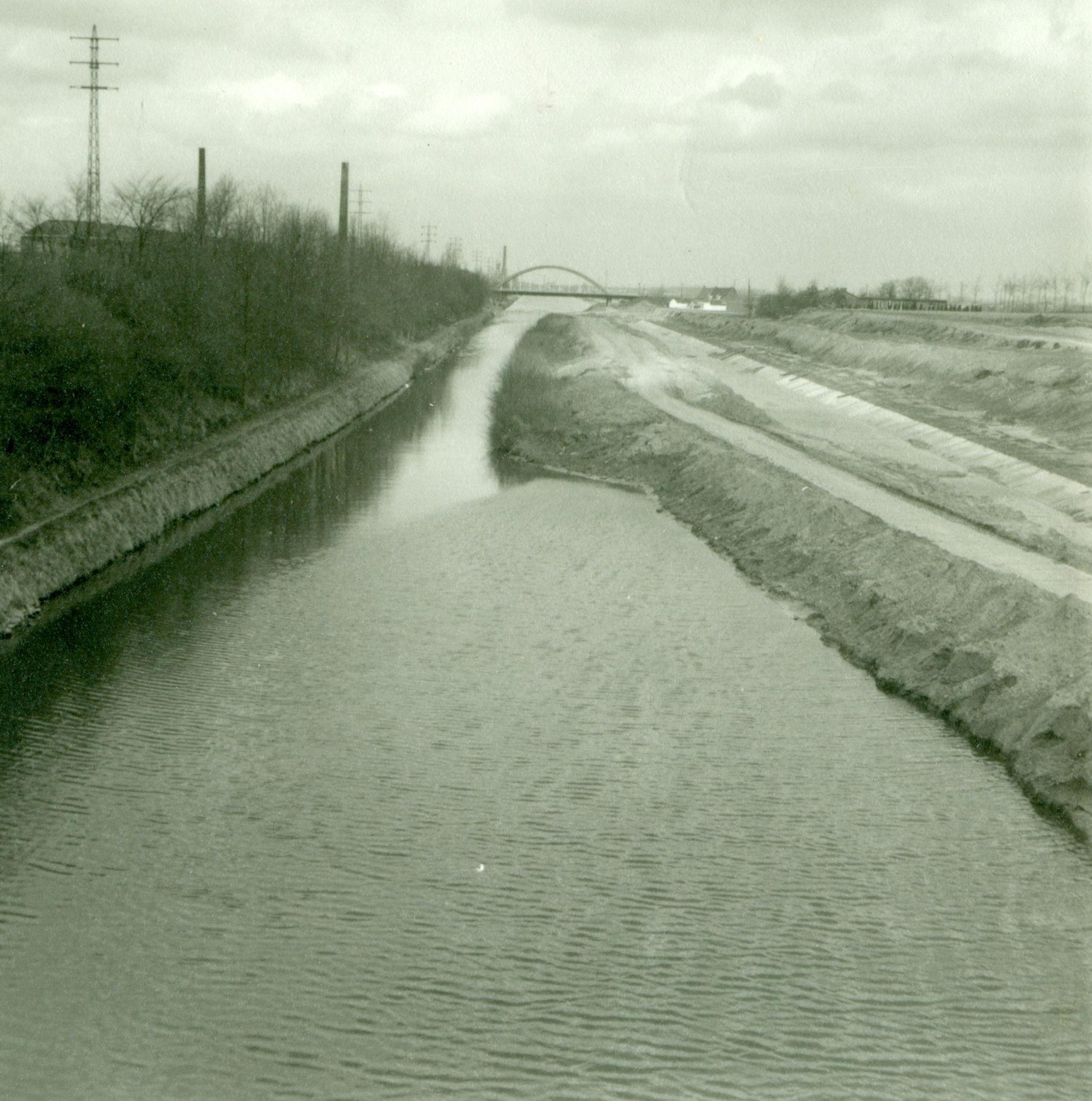 Verbreding van het Kanaal Bossuit-Kortrijk tussen Moen en Knokke-Zwevegem 1973