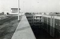 Ingebruikname van het nieuw sluizencomplex van het kanaal Bossuit-Kortrijk in Bossuit 1980
