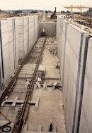 Bouw van de nieuwe sluis op het Kanaal Bossuit-Kortrijk in de Deerlijkstraat te Zwevegem 1990