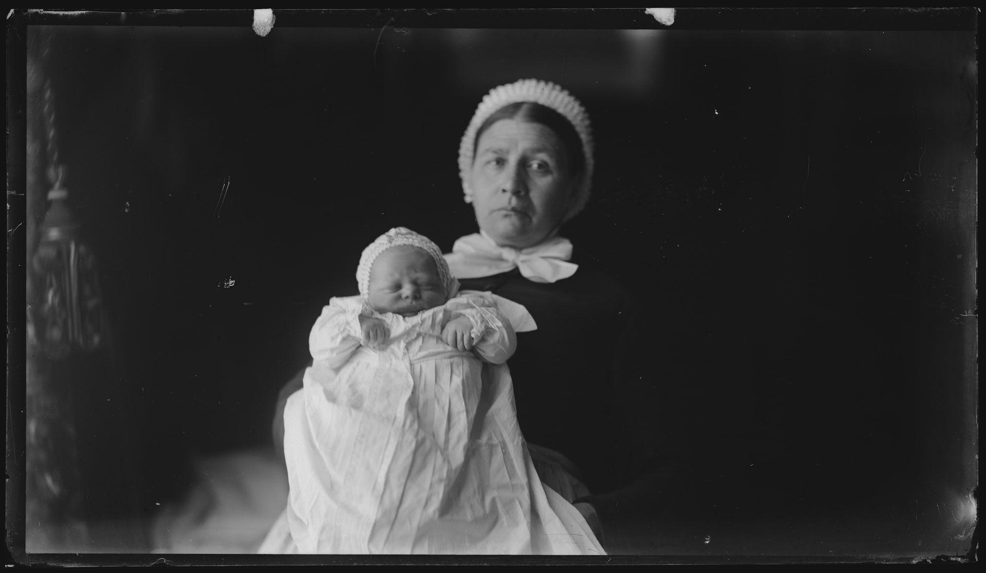Portret van vrouw en kind