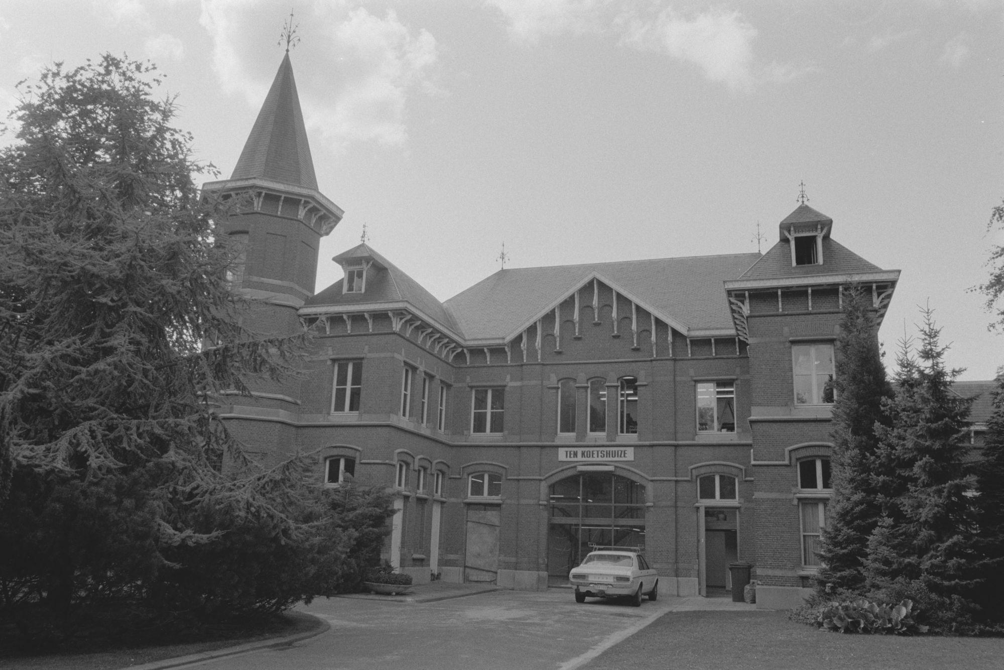 Stadsbeelden: koetshuizen in Heule