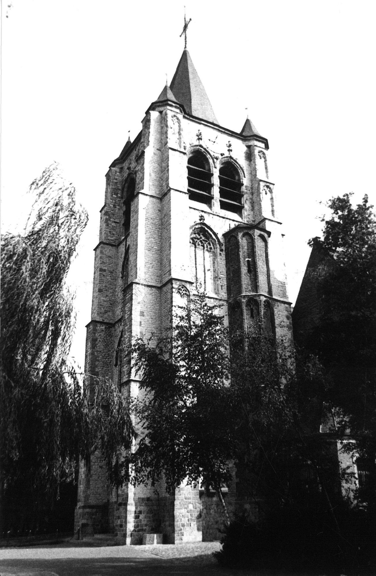 Heule  Sint-Eutropiuskerk