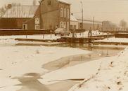 Sluis nr. 7 op het Kanaal Bossuit-Kortrijk te Zwevegem in de winter van 1985