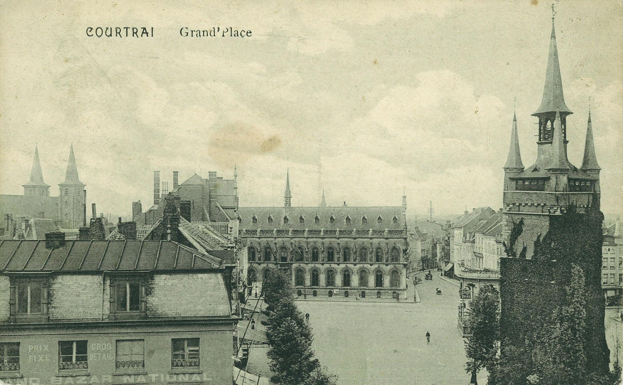 De Grote Markt met het Belfort en het stadhuis en de Leiestraat