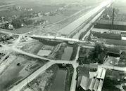 Bouw van de nieuwe brug over het kanaal Bossuit-Kortrijk te Moen 1979