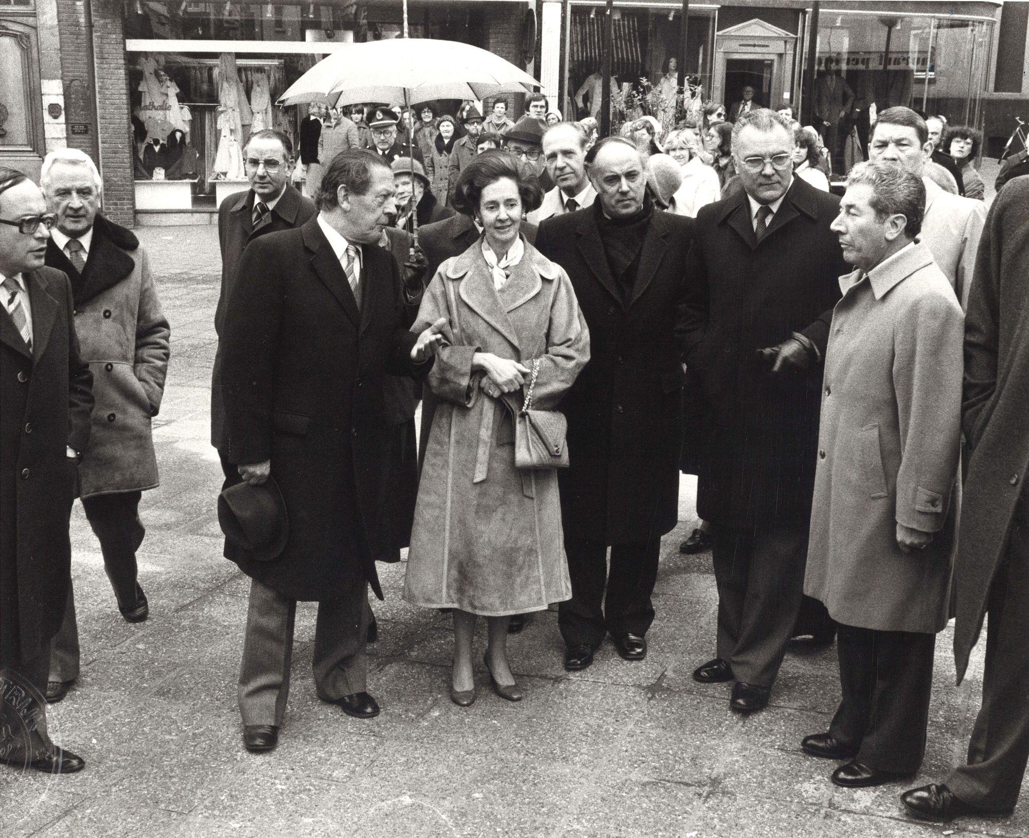 Koningin Fabiola bezoekt Kortrijk 1980