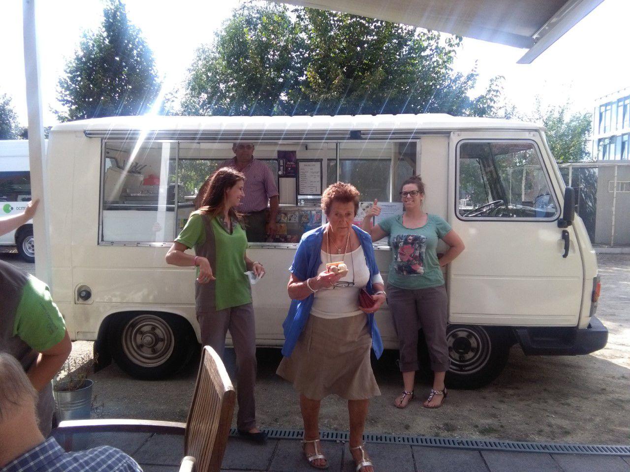Kimberley Perard, Ghislaine Tack en Elke Delefortrie