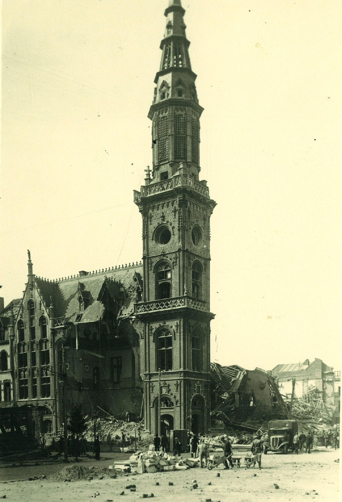 Het postgebouw in 1944