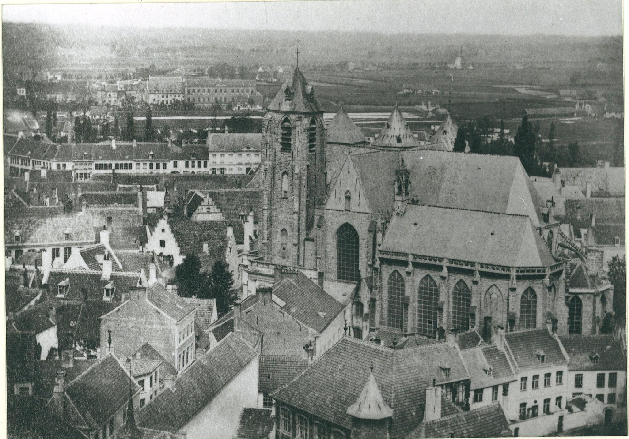 Begijnhof en Onze-Lieve-Vrouwekerk
