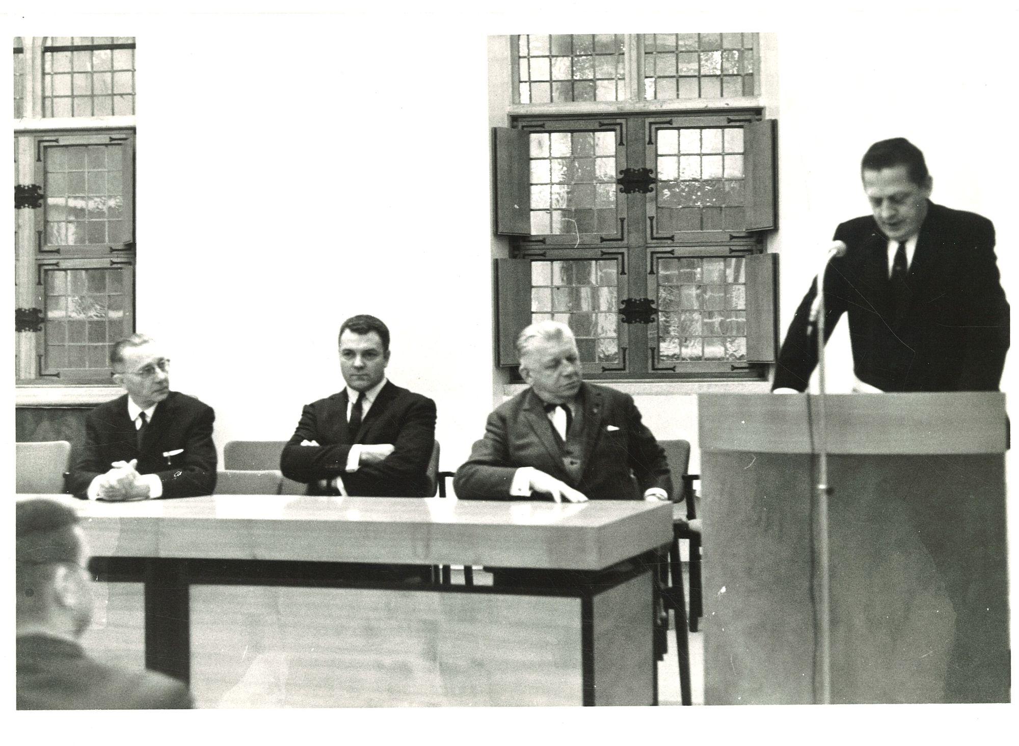 Burgemeester Ivo-Joseph Lambrecht en schepenen