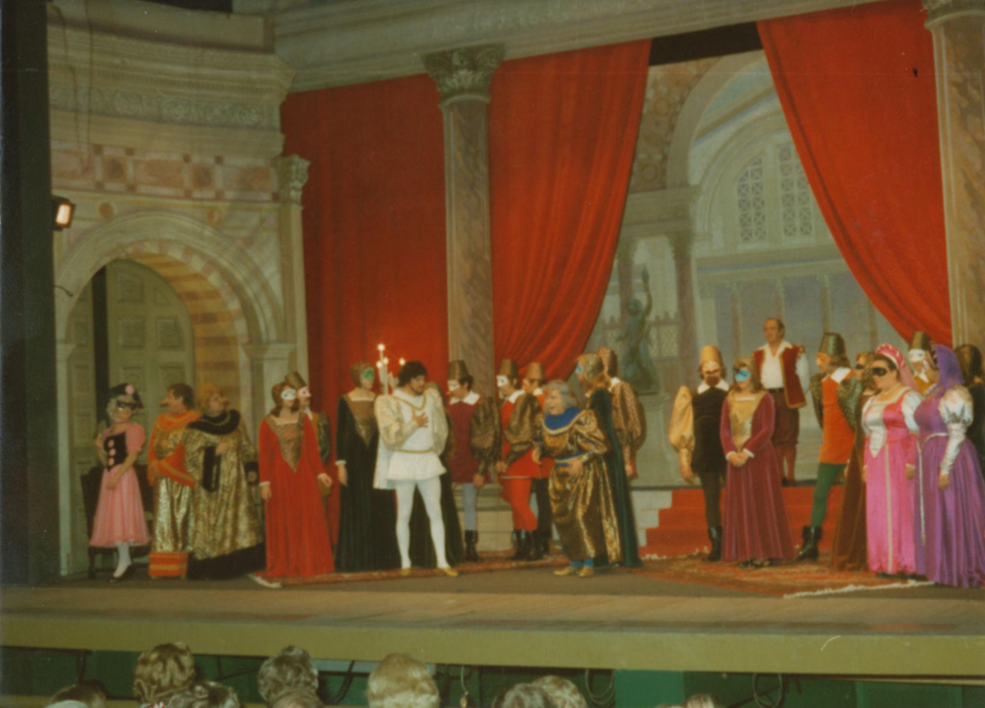 Kortrijks Lyrisch Toneel in 1975