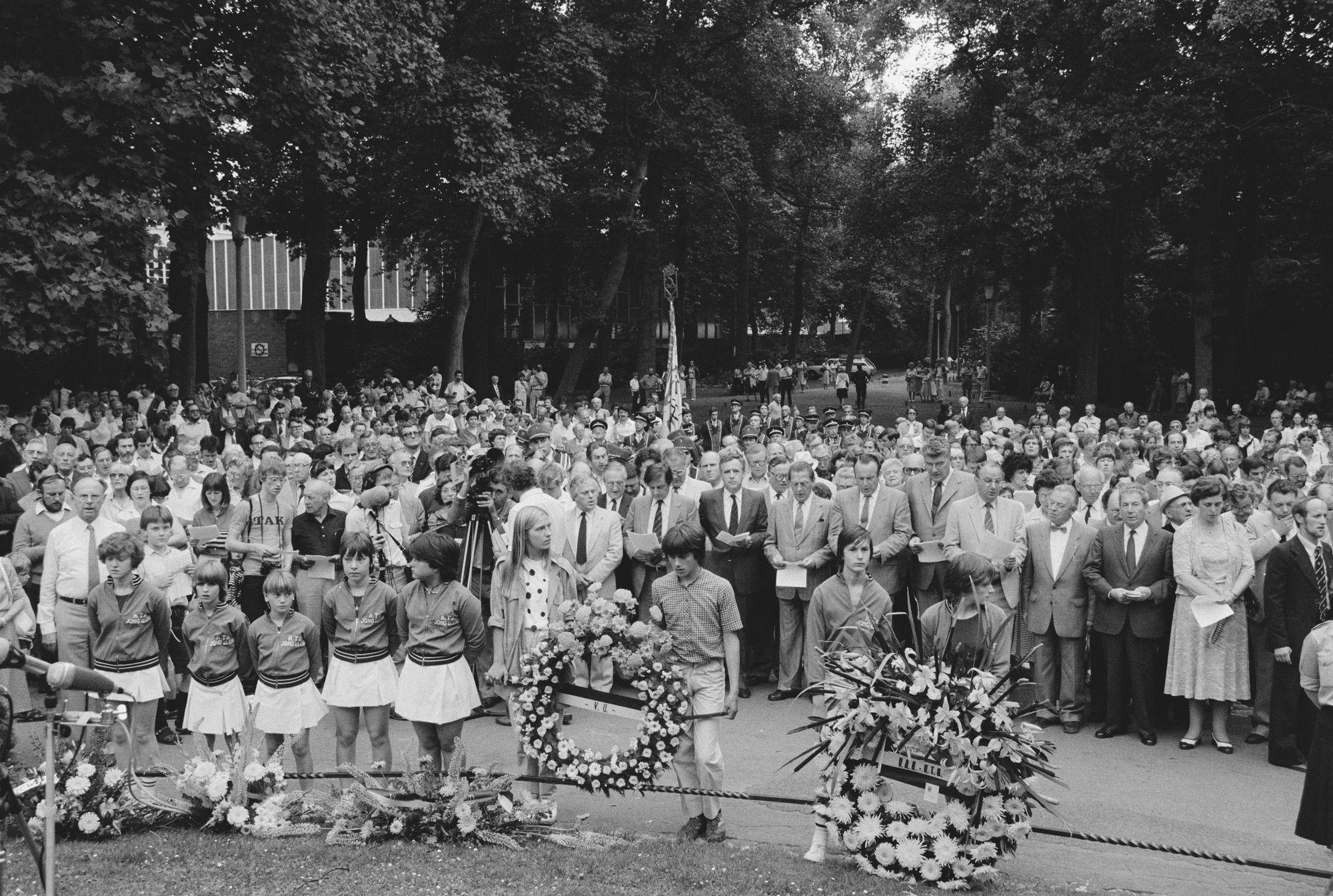 Herdenkingsplechtigheid tijdens de 11 juliviering 1982