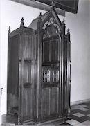 Biechtstoel van Guido Gezelle de Onze-Lieve-Vrouwekerk