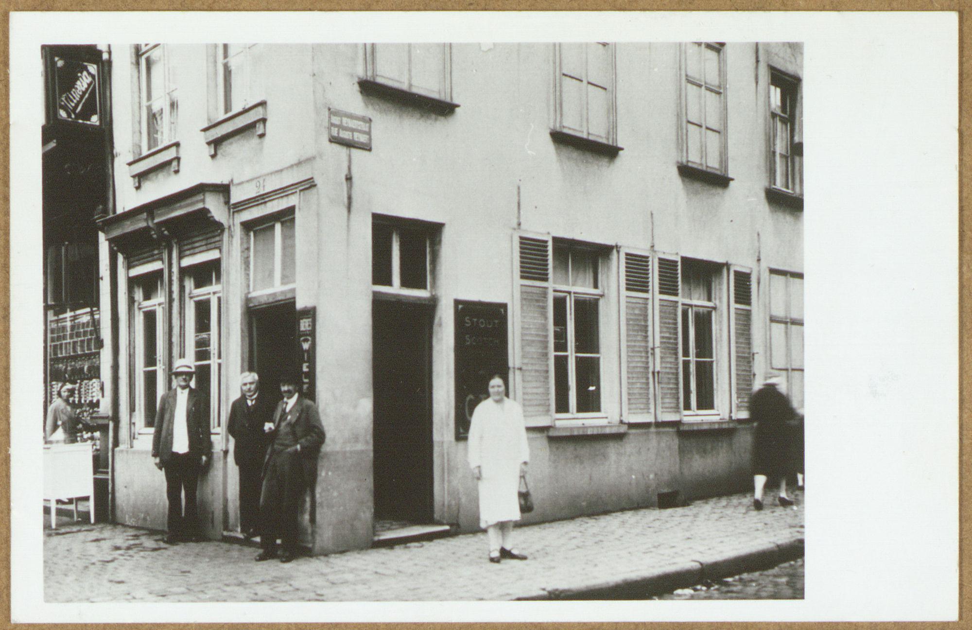 Café De Gouden Aap in de Doorniksestraat