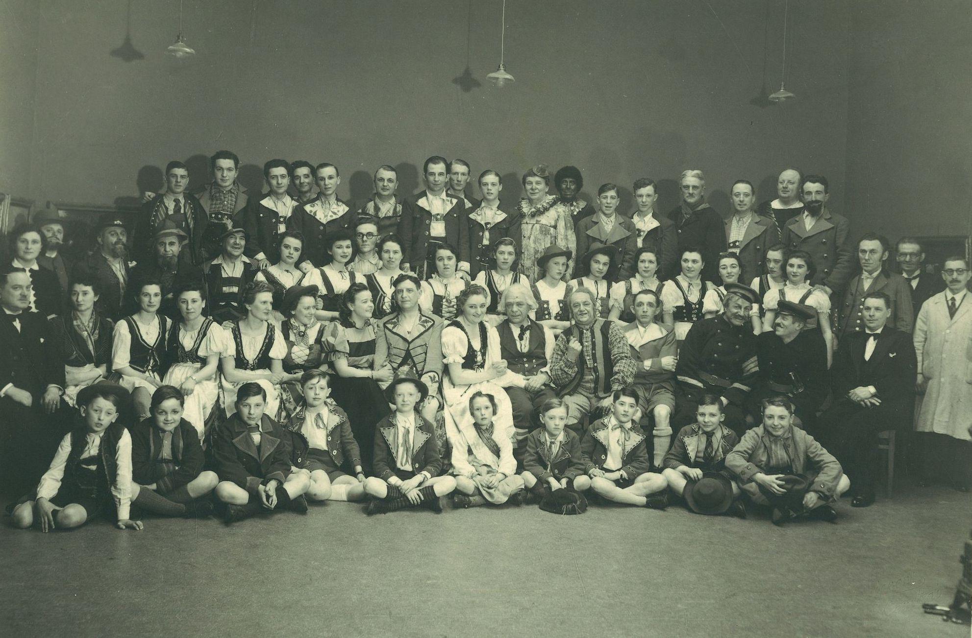 """Toneelvereniging """"De Vlaamsche Zonen"""" 1935"""