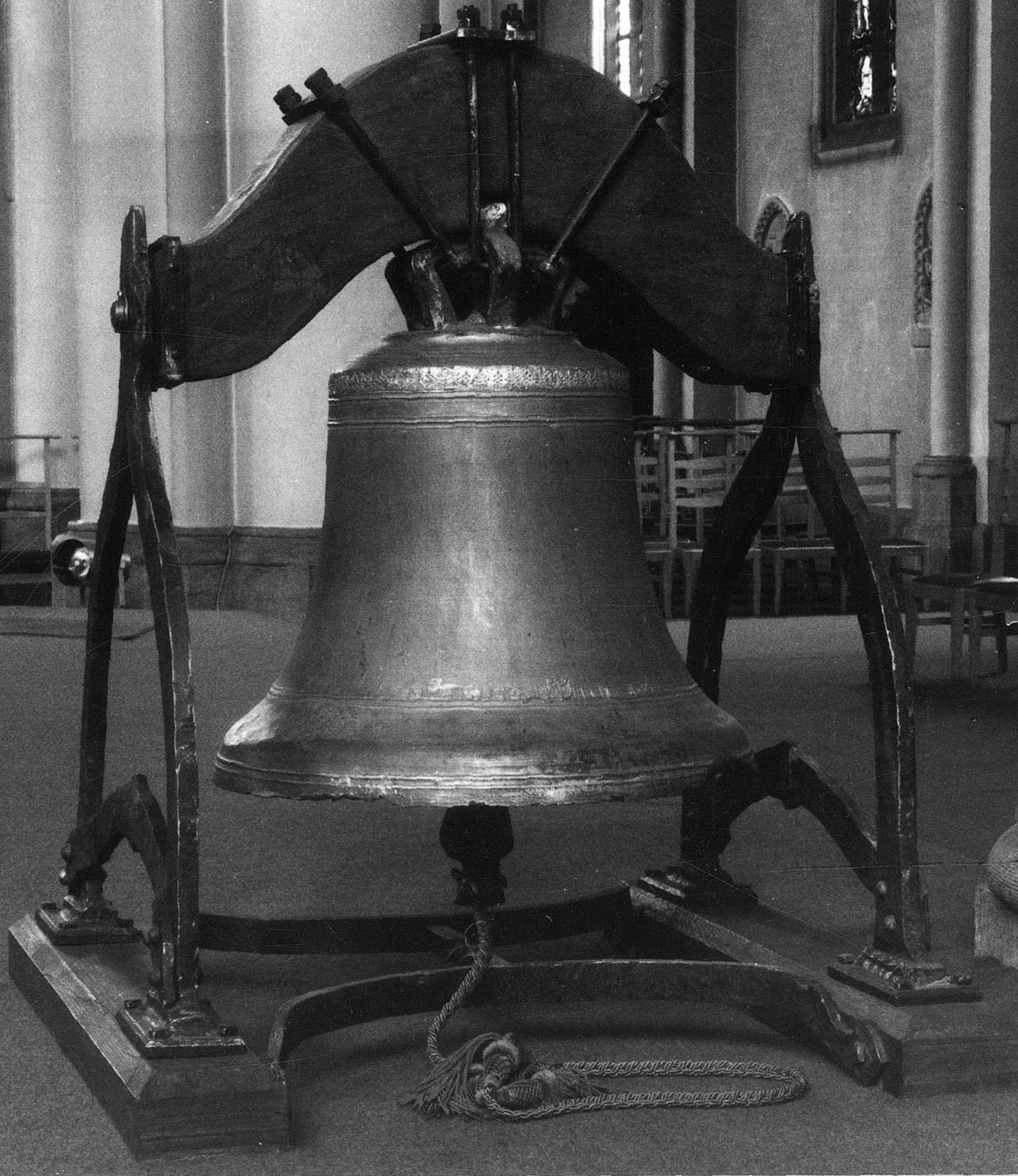 De Sint-Elooiskerk, klok van Blampain