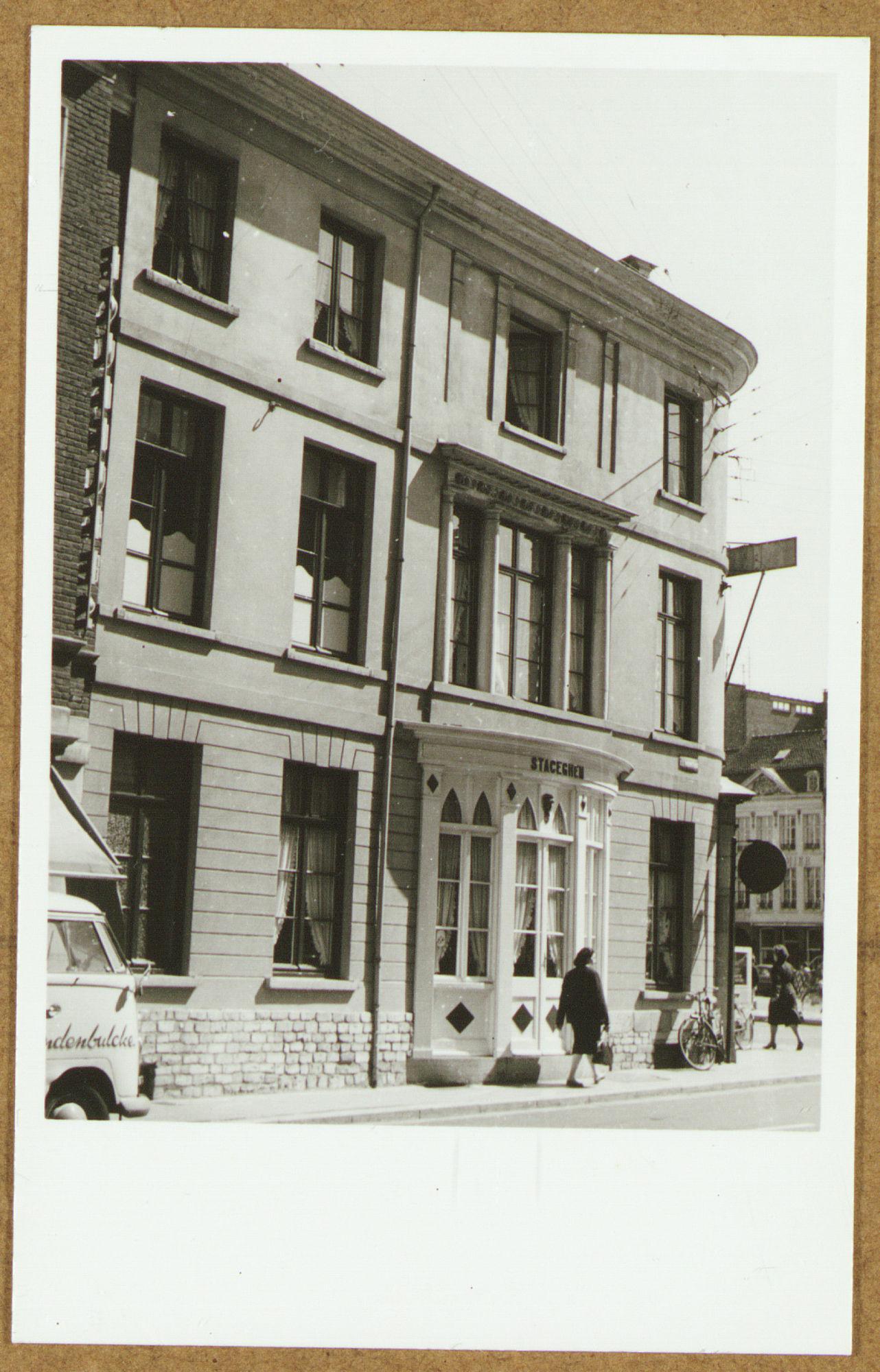 Café Au Salon in de O.-L.-Vrouwestraat