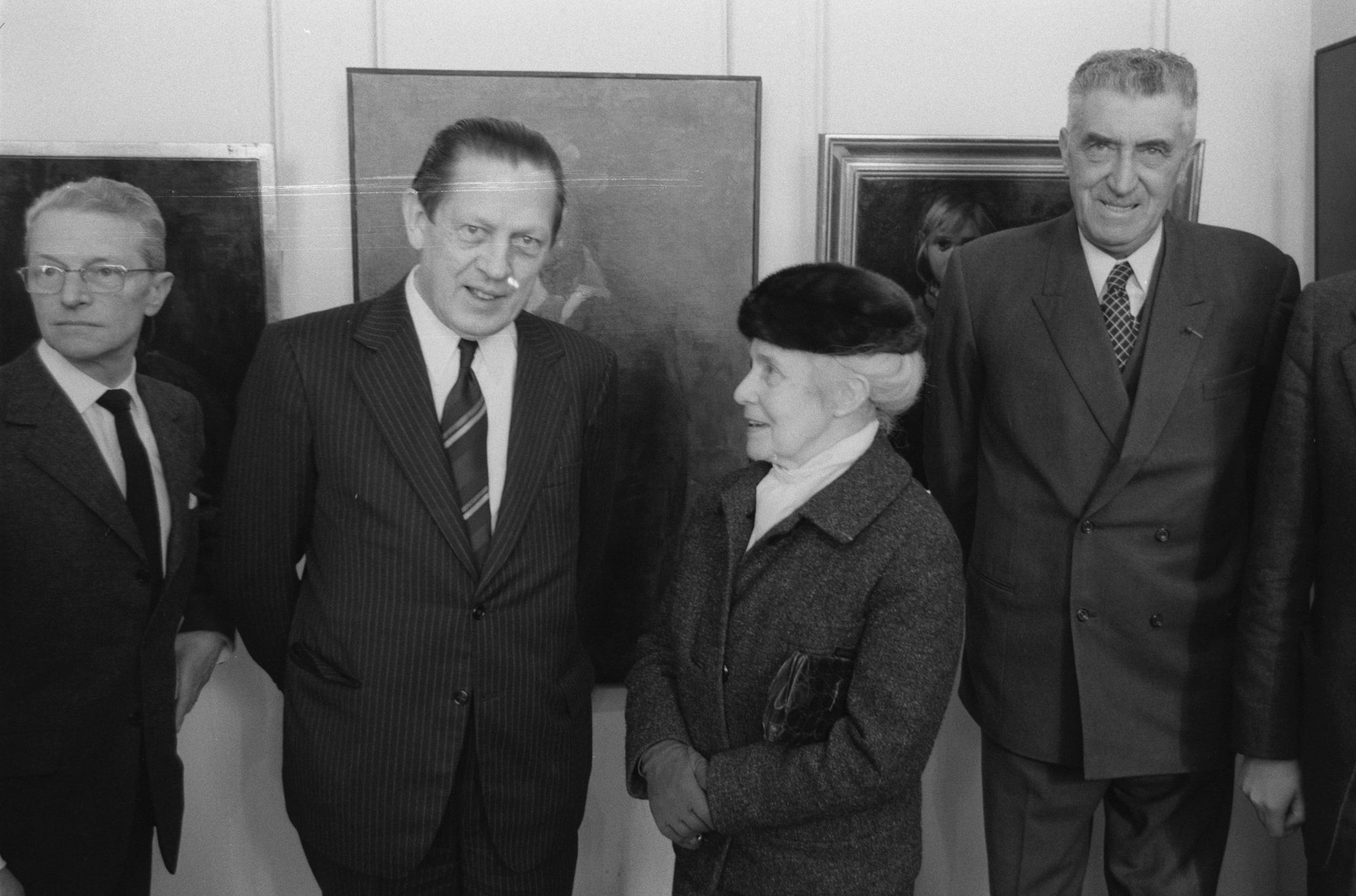Marthe De Spiegeleir bij de opening van een tentoonstelling