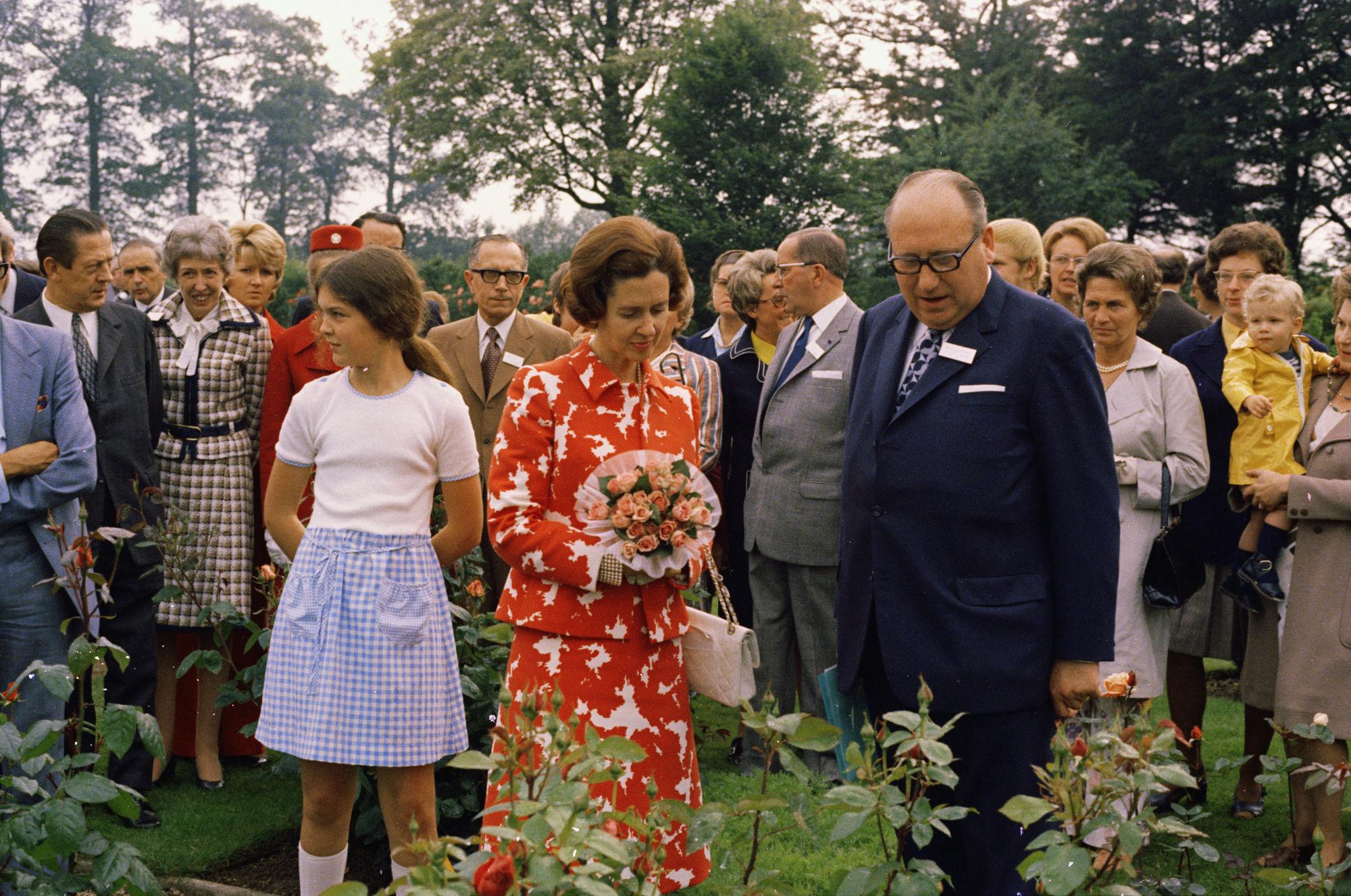 Bezoek van koningin Fabiola aan de rozentuin