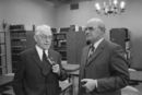 Jozef Berteele en Van Biervliet in de bibliotheek