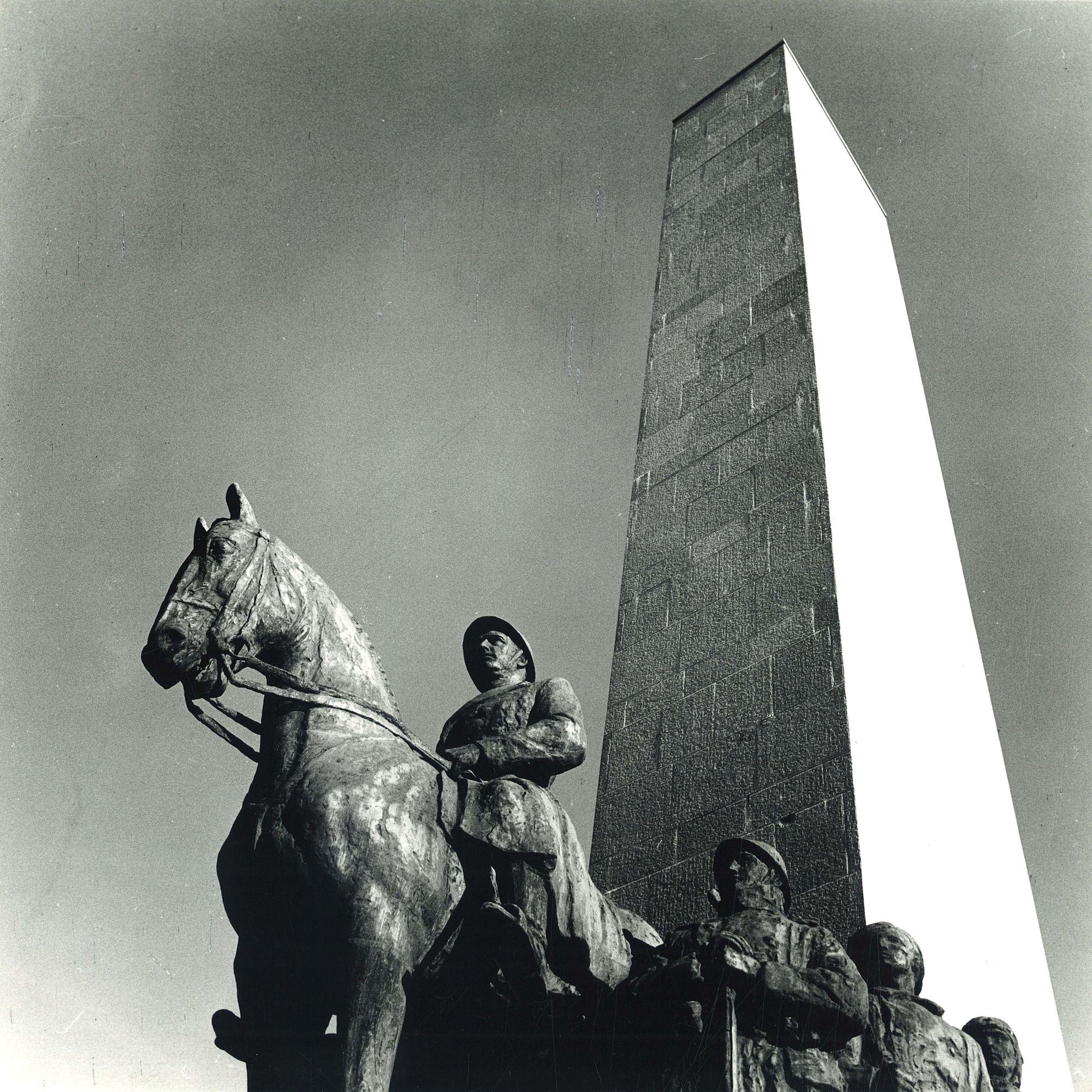 Leiemonument in het Koning Albertpark te Kortrijk 1972