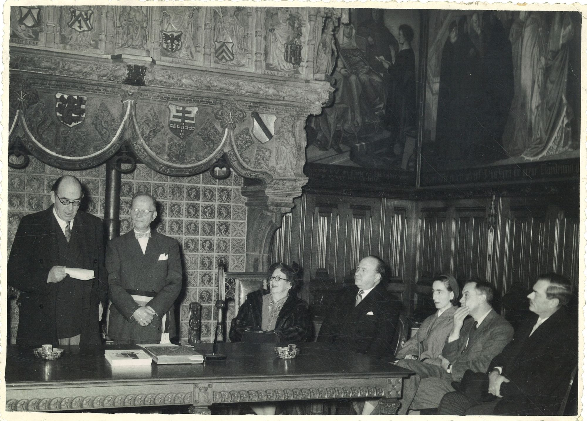 Plechtigheid in historische schepenzaal