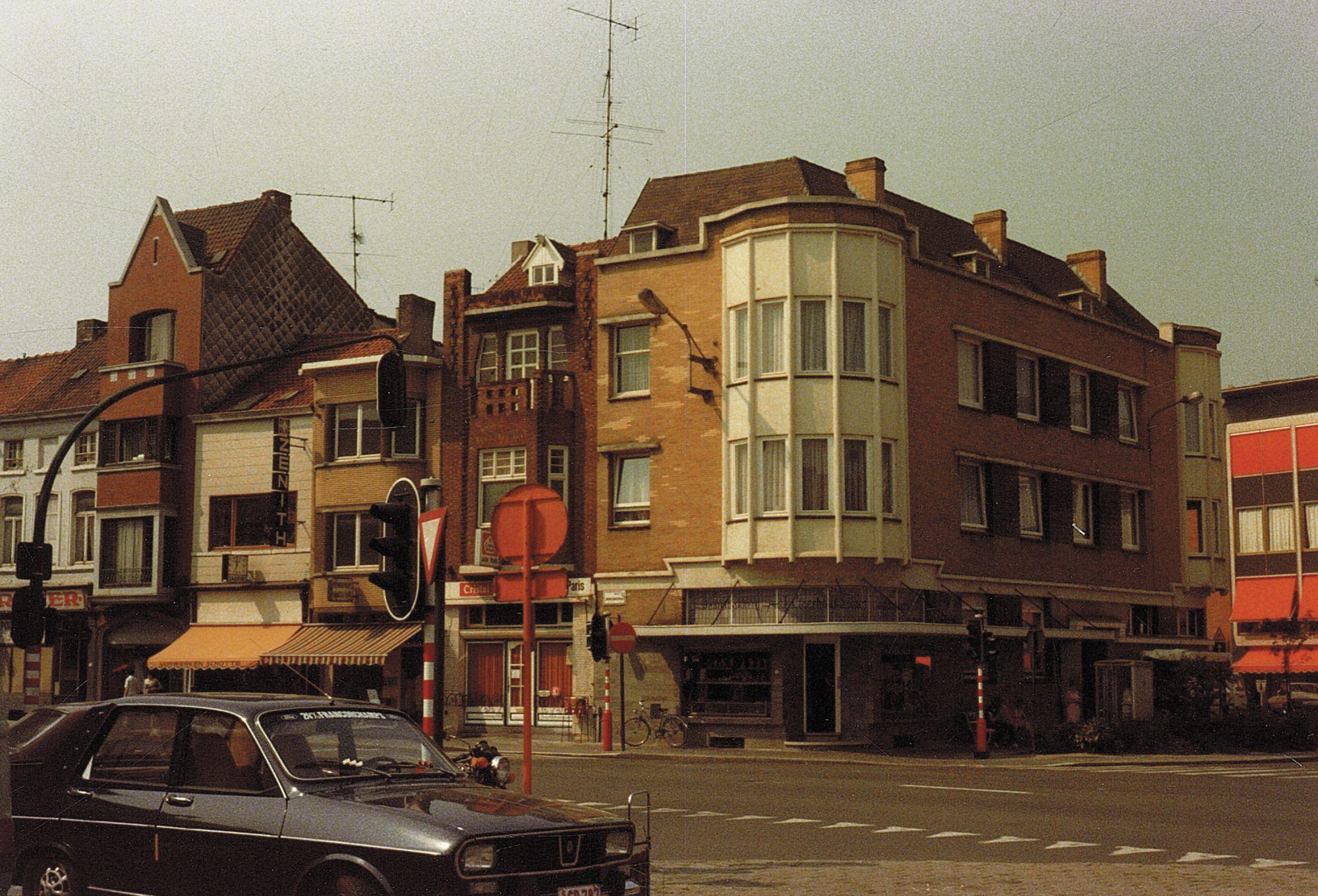 Hoek Zwevegemsestraat en Sint-Janslaan