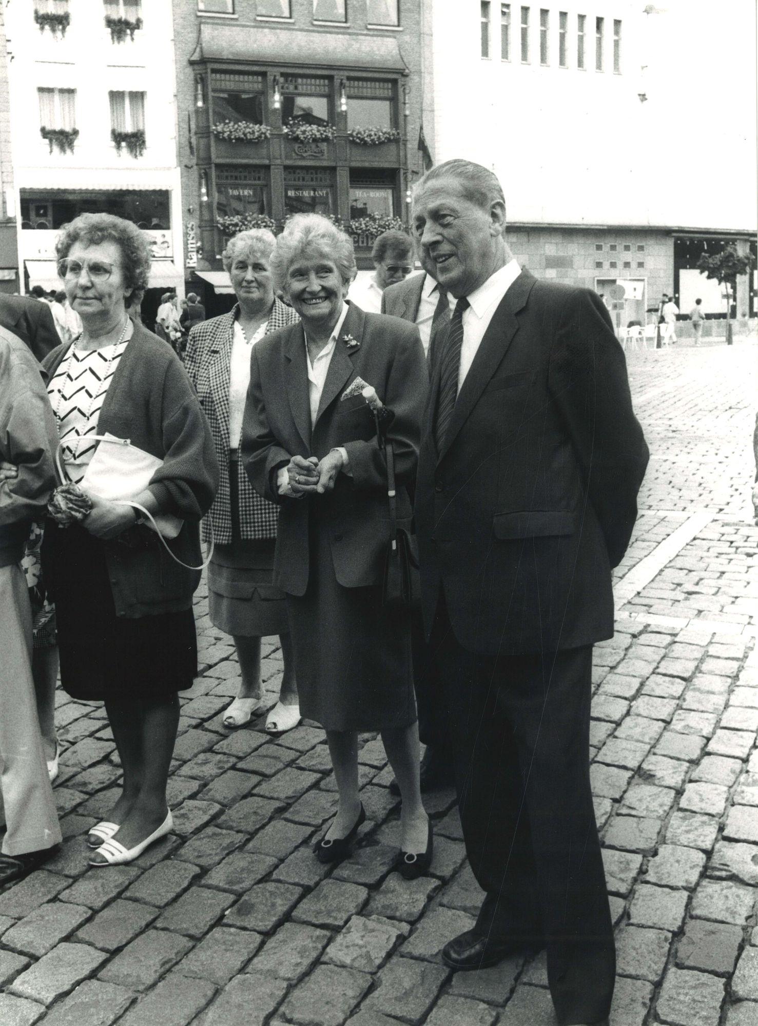 Burgemeester Lambrecht op de11 juli feesten 1989