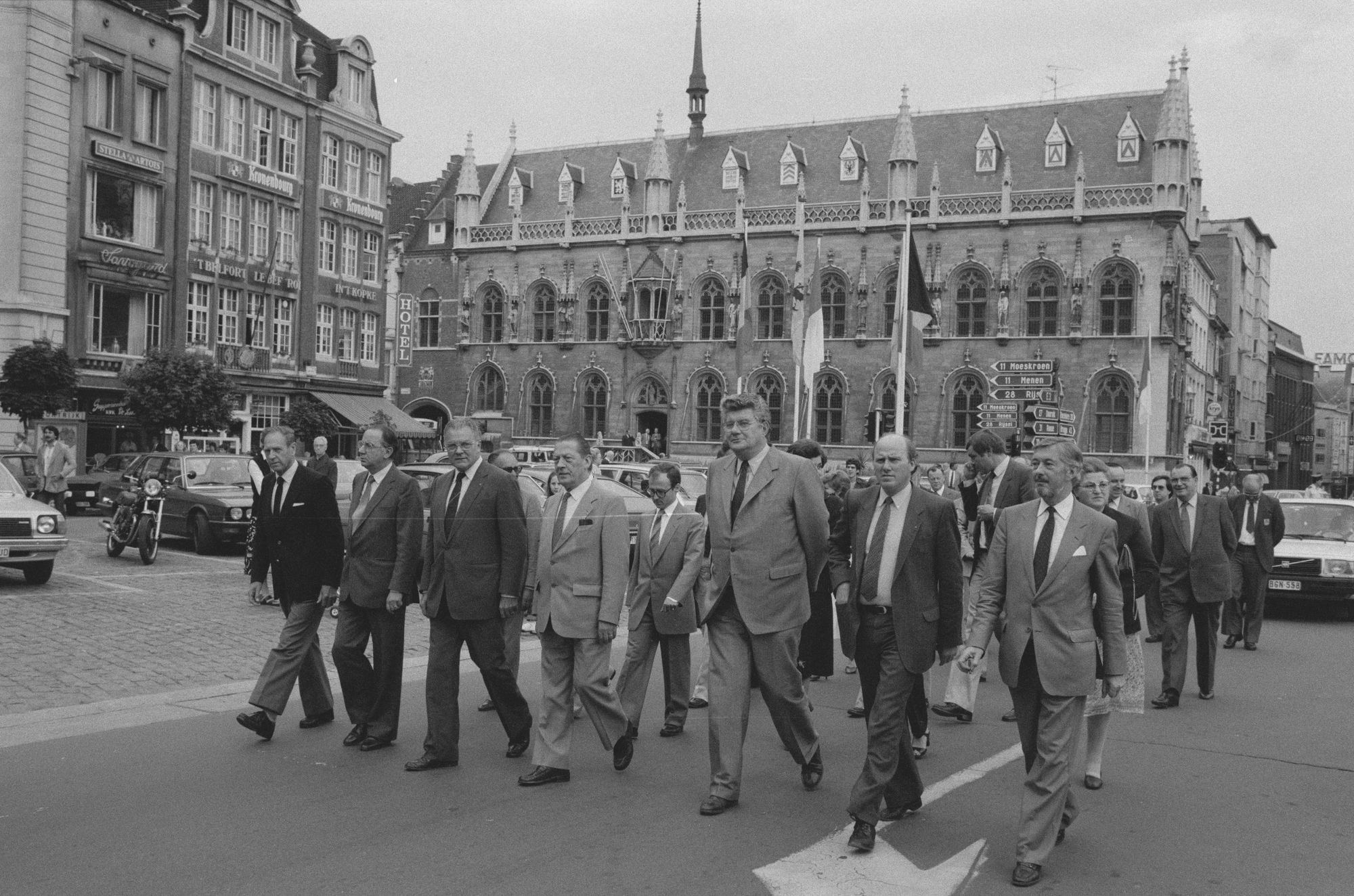 Opening van de braderie in het centrum 1982