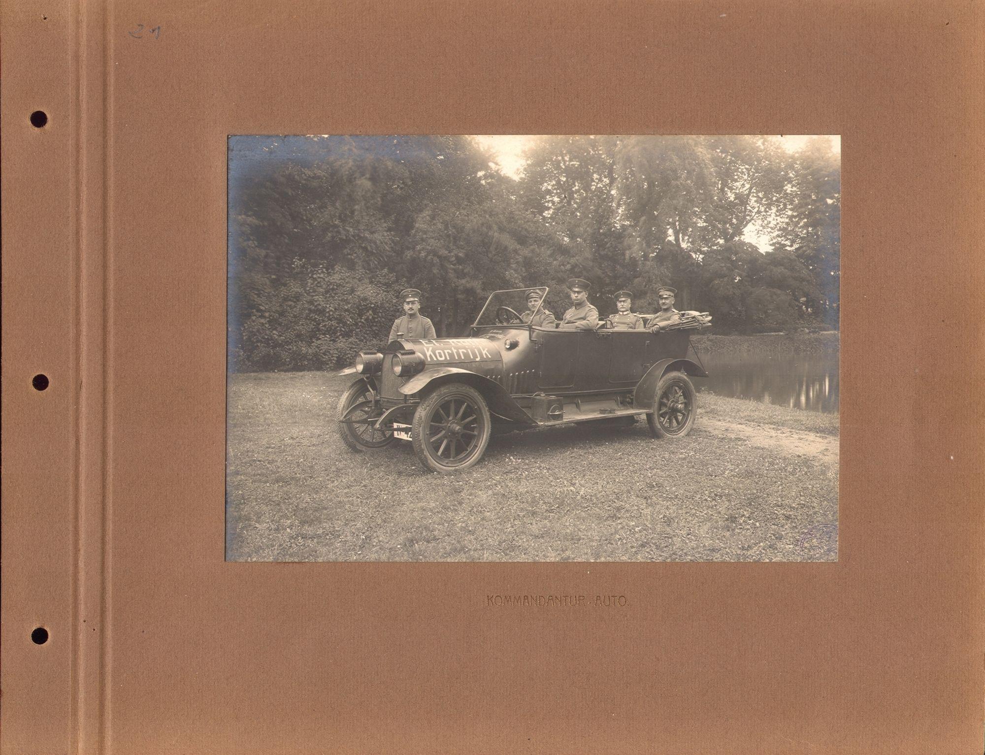 De dienstwagen van de Duitse bezetter in Kortrijk tijdens de Eerste Wereldoorlog