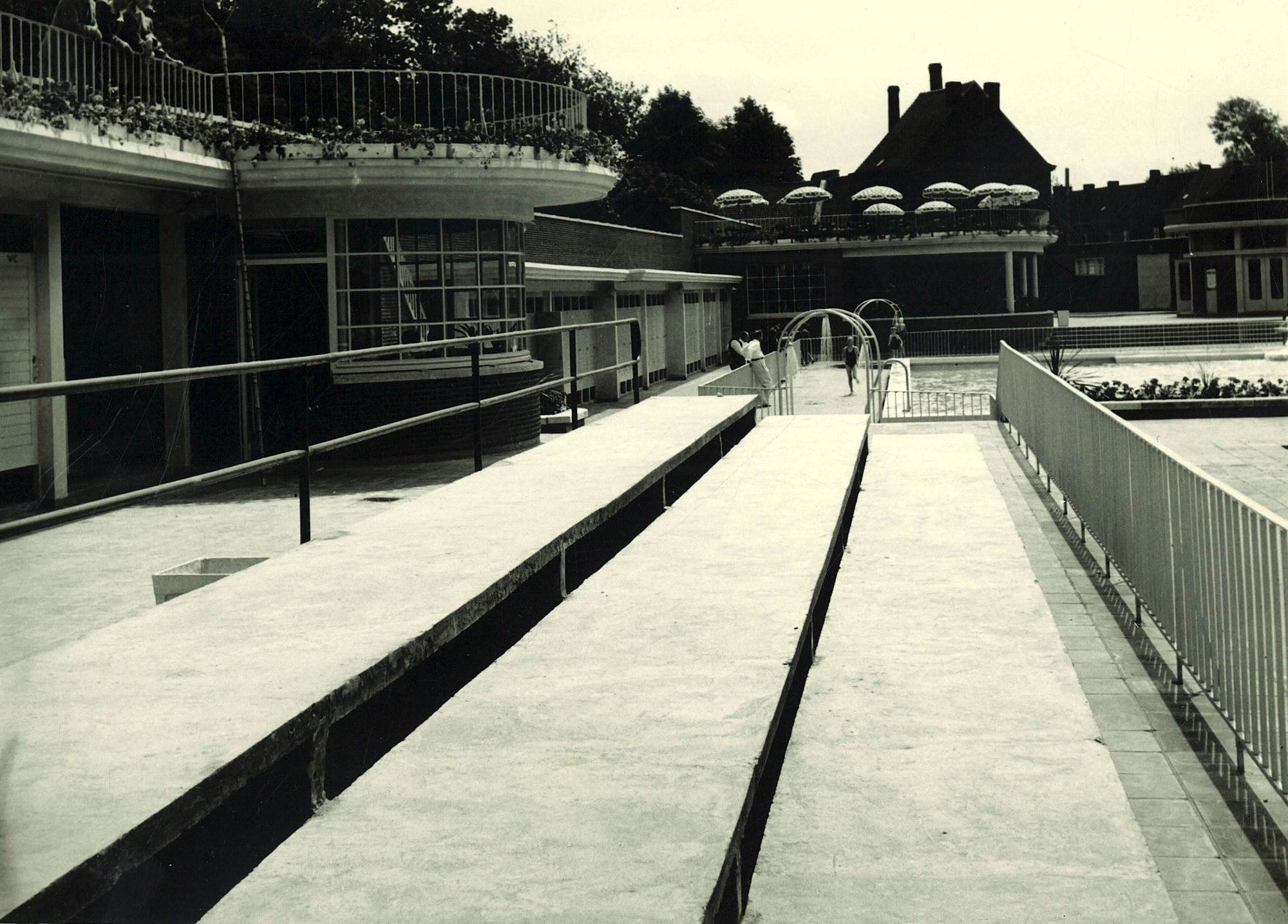 Bouw openluchtzwembad