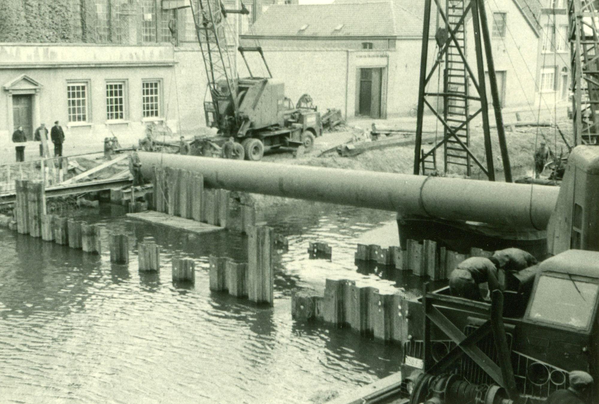 Sifon voor de Groeningebeek onder het kanaal Bossuit-Kortrijk 1955