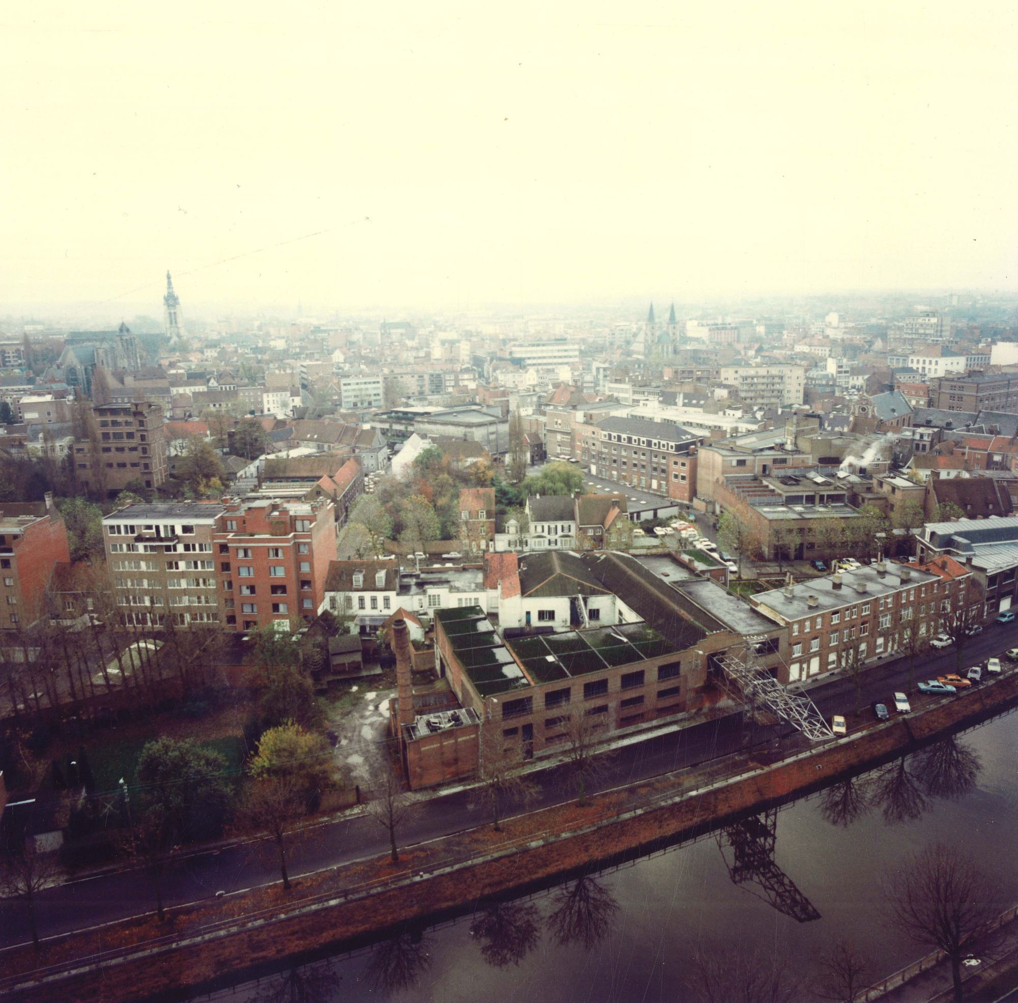 Luchtfoto IJzerkaai Kortrijk 1985