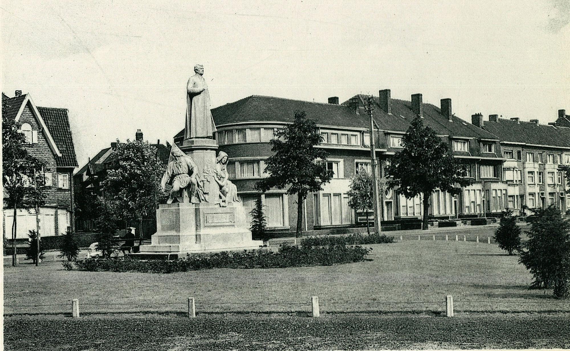Mgr. De Haerne monument