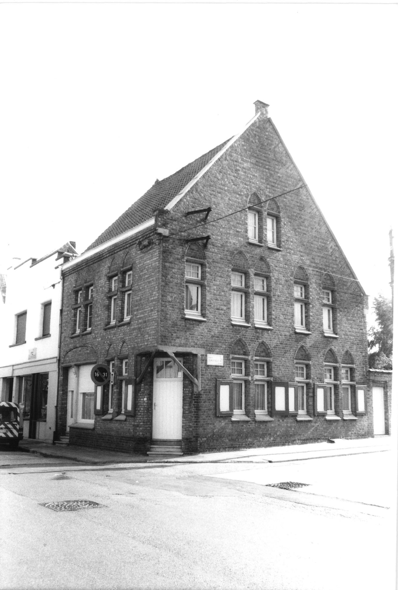 Hoekhuis in Marke Centrum