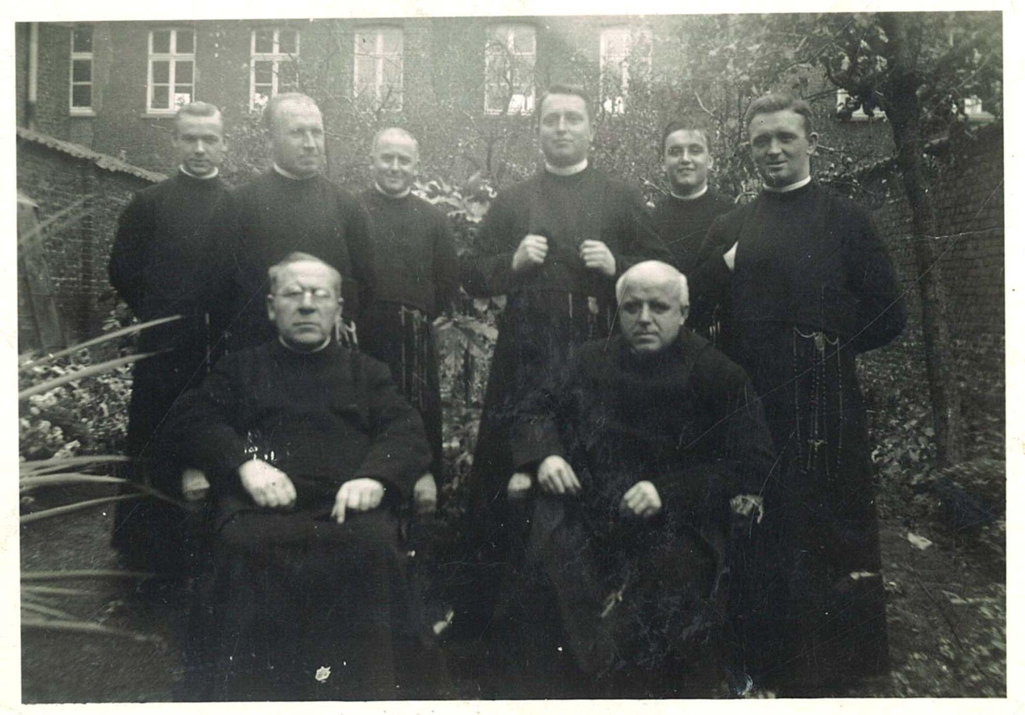 Groepsfoto uit 1934-35 in de Broederschool Overleie
