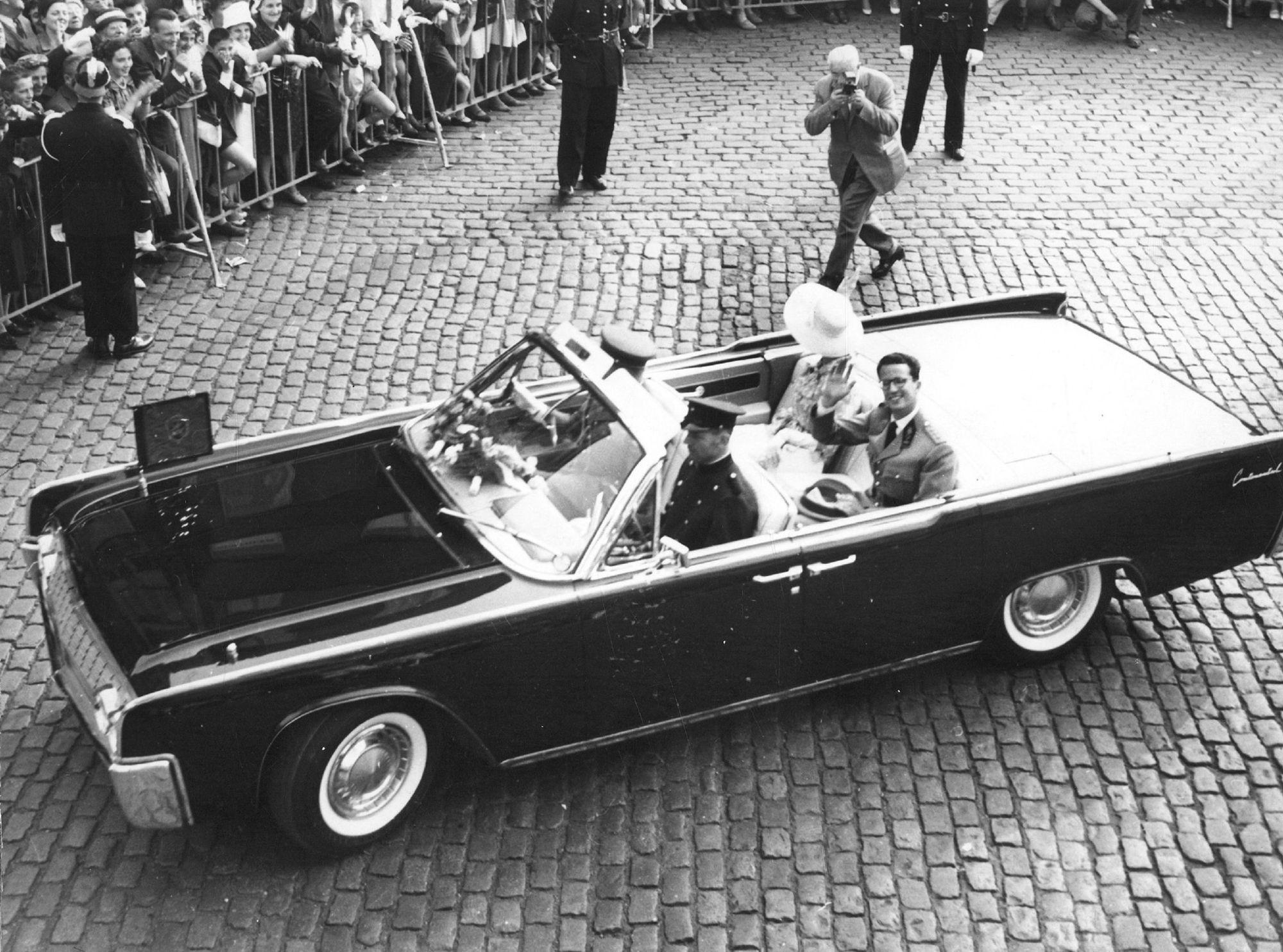 Koning Boudewijn en Koningin Fabiola in Kortrijk op 12 juli 1962