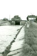 Sluis Nr. 8 met brug op het Kanaal Bossuit-Kortrijk te Zwevegem 1981